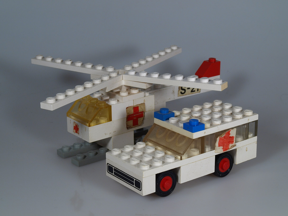 Ambulancehelikopter og ambulance